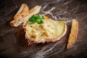 Cheese fondu with crab_ERWIN